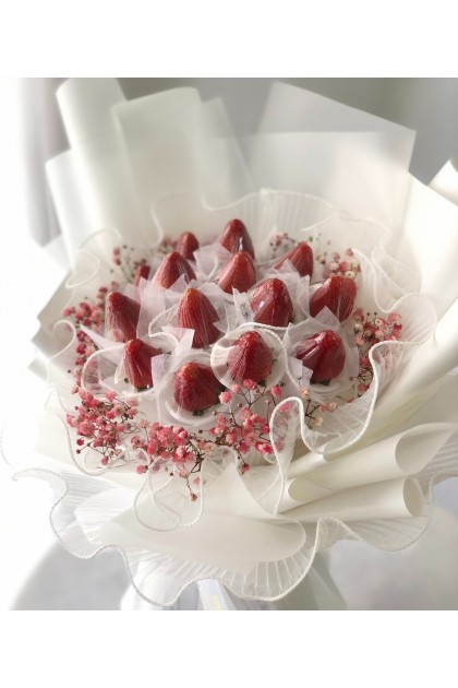 Mon Amour Strawberry Bouquet
